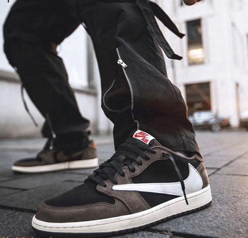 Nike Air Jordan 1 cổ thấp có nguồn gốc từ môn bóng rổ