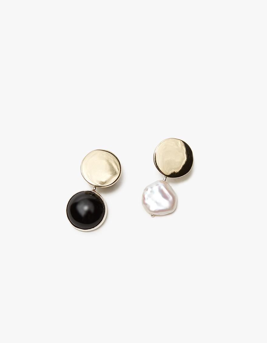 need earrings.jpg