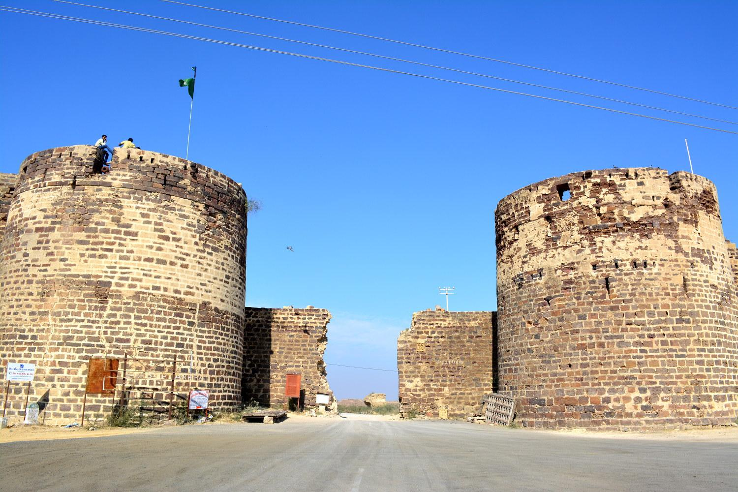 Image result for 8. Lakhpat Fort images