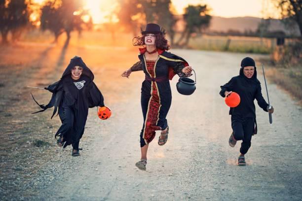 running halloween.jpg