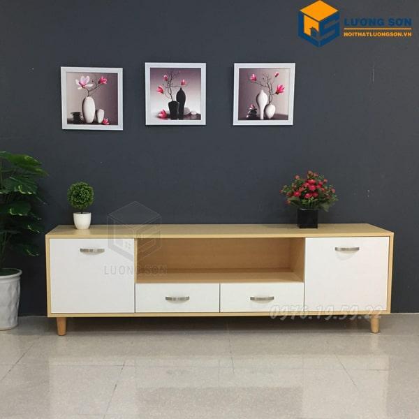 Kệ tivi phòng khách 1m8 – KTV09 mang phong cách hiện đại là sự lựa chọn không thể thiếu trong phòng khách nhà bạn
