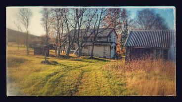 Gammelstua og fjøsen på Vinkenes Vestre, høst 2014