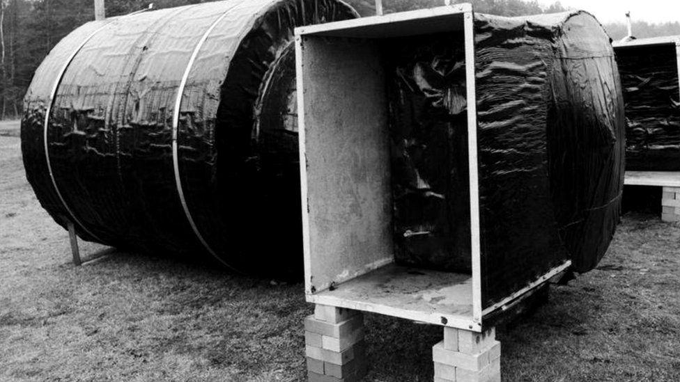 Это убежище было сконструировано и построено в Йорке специалистами британского министерства внутренних дел в 1980 году