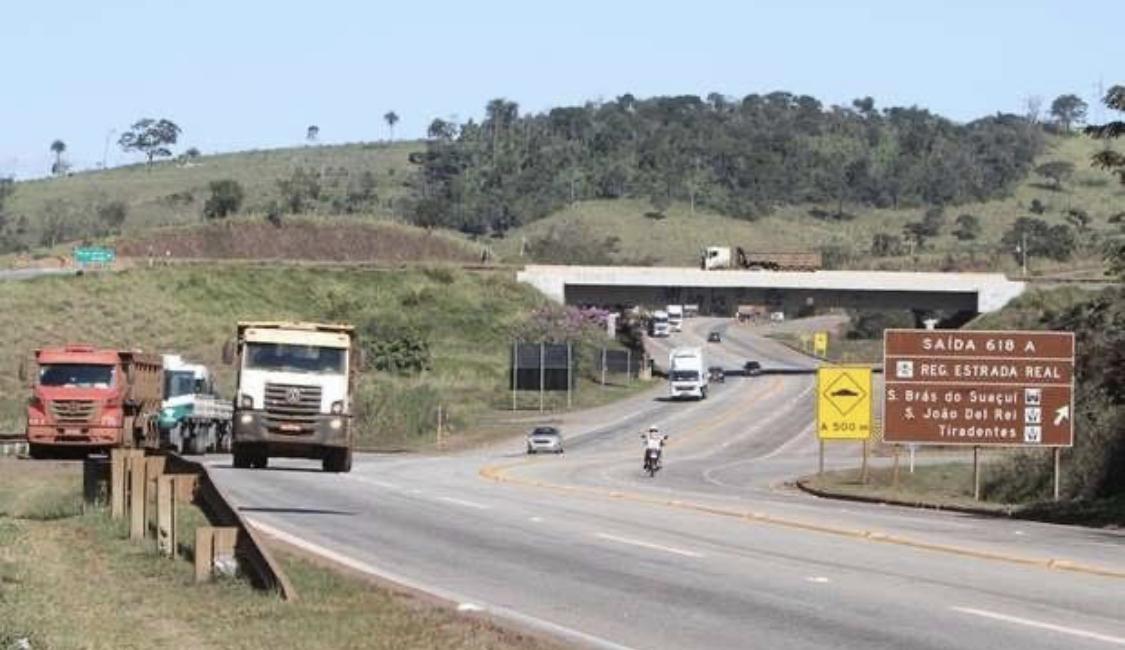Queda do movimento nas estradas reflete retração na economia