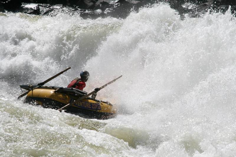 river rafting Zambezi river