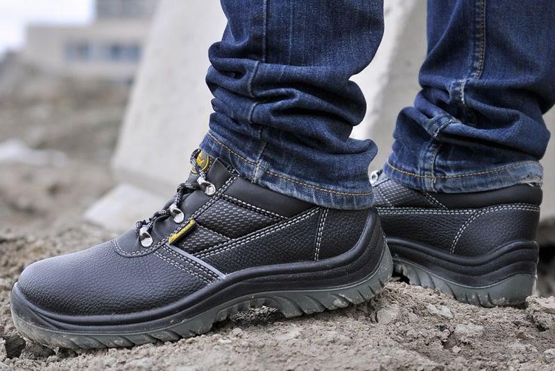 Những loại giày bảo hộ lao động chuyên dụng phổ biến nhất hiện nay