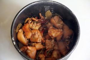 香酥烤猪蹄的做法 步骤6