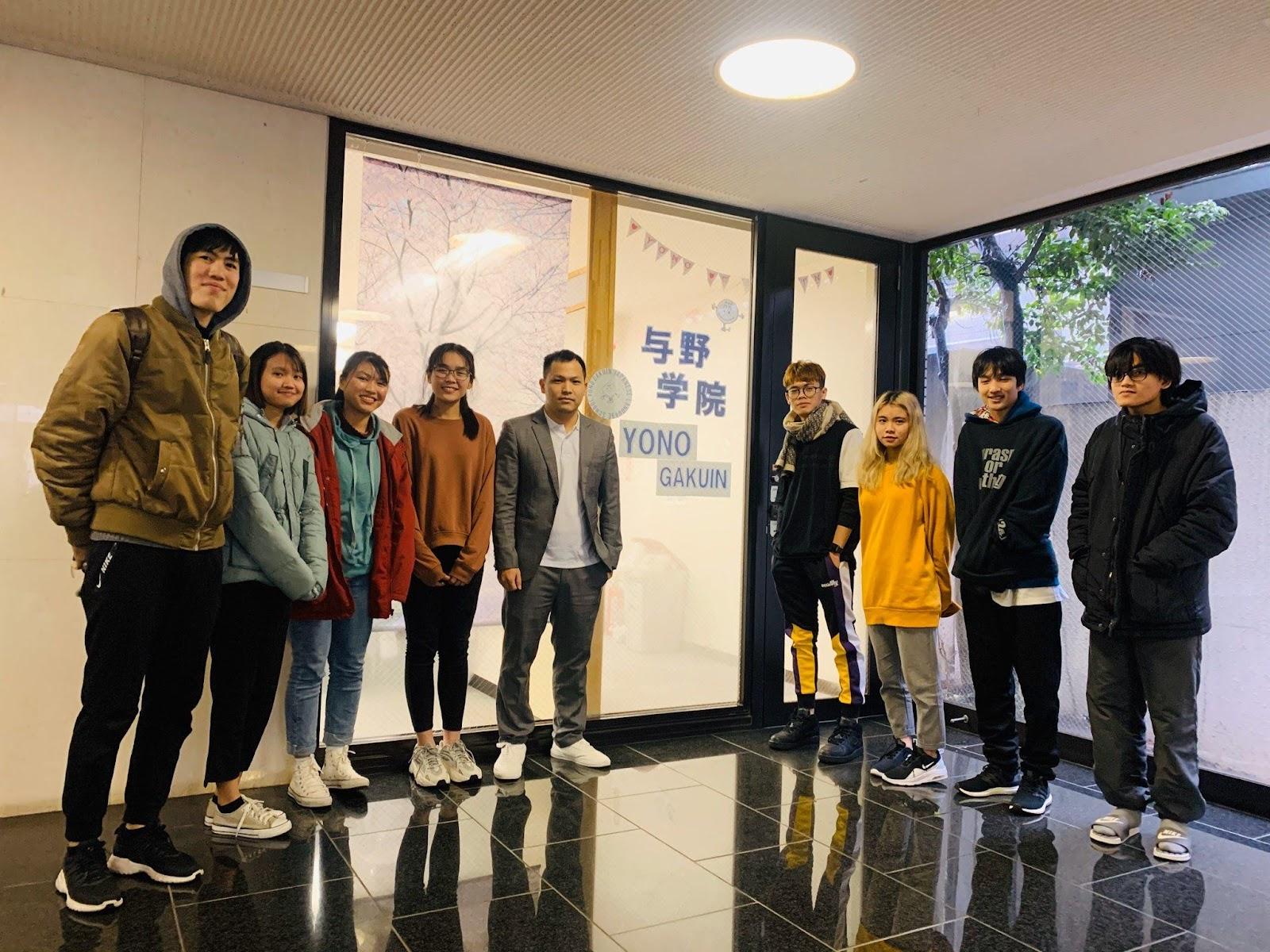 Javico đến thăm Trường Nhật ngữ YONO