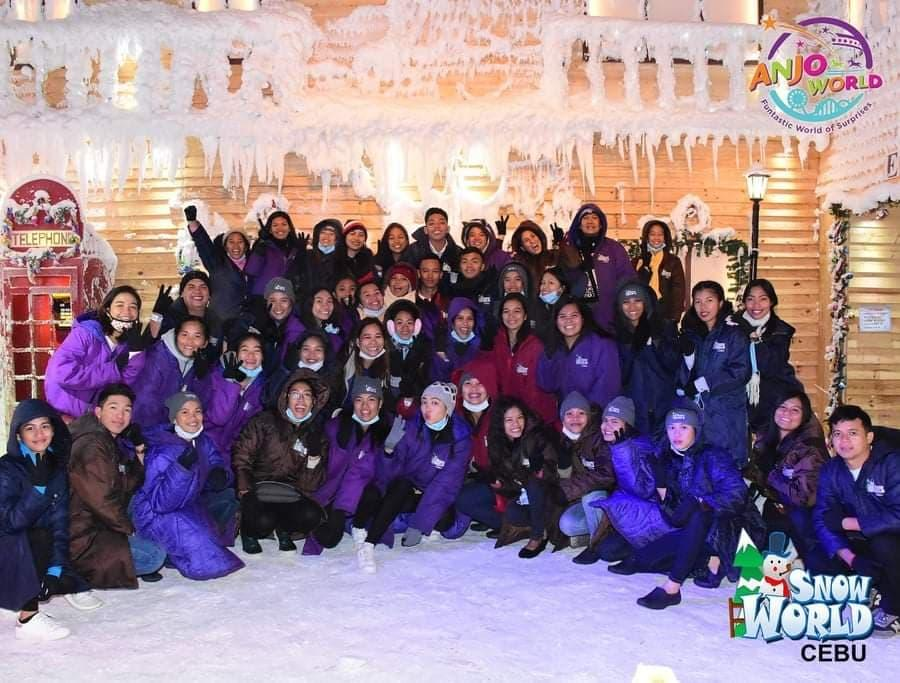 BSTM students on educational tour: Side-trip to Cebu Snow World