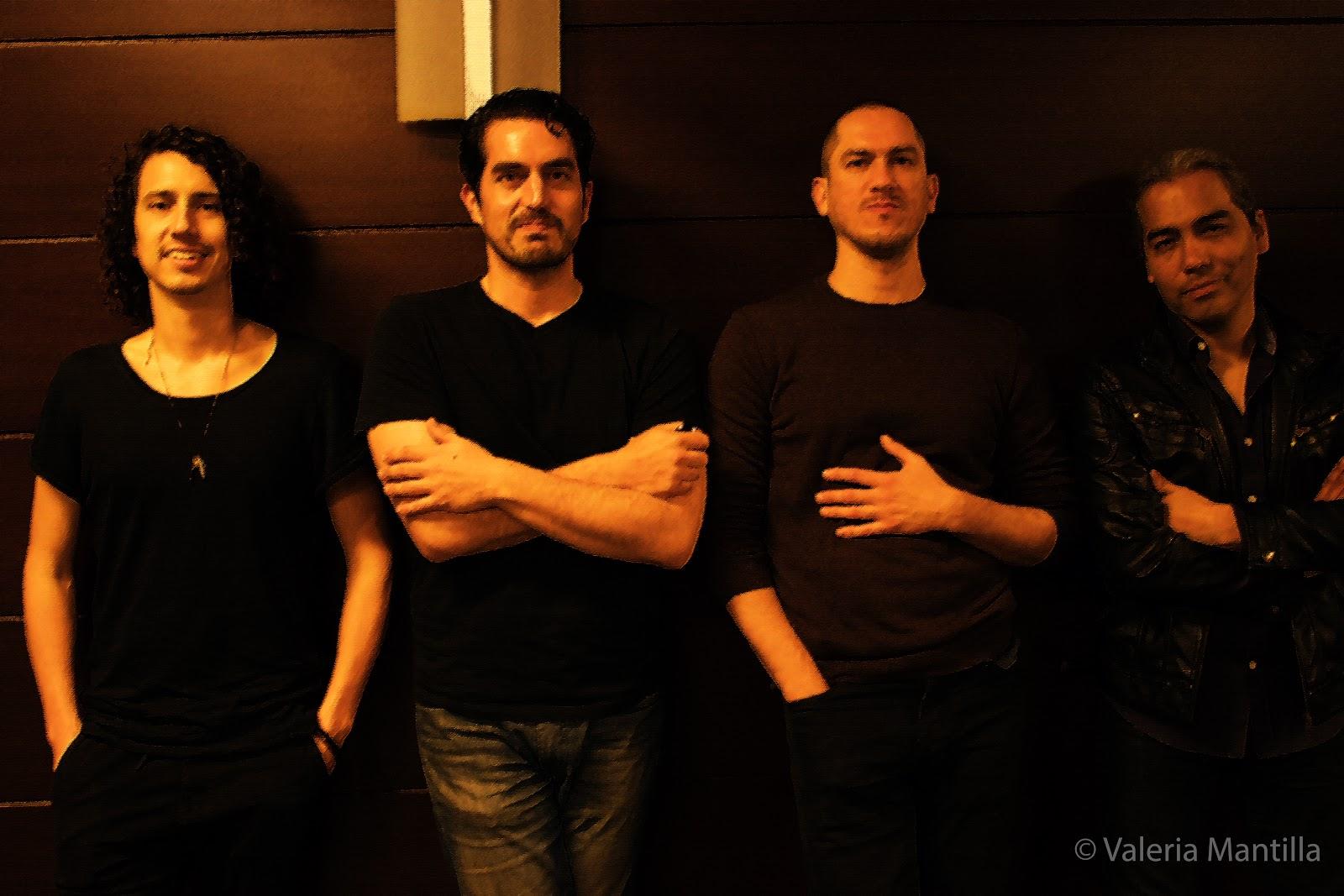 Gonzalo García-Sayán junto a su banda y Aldo Rodríguez, artista invitado para la gala de Café y Concierto en el Gran Teatro Nacional