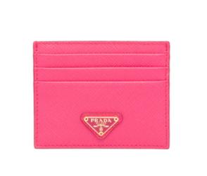 3. กระเป๋าใส่บัตรแบรนด์ PRADA