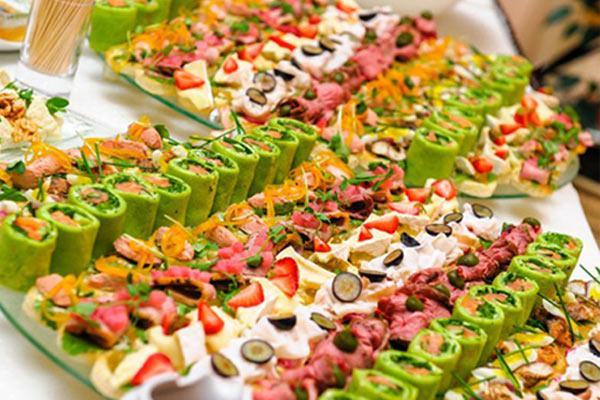 C:\Users\gar\Downloads\strand_of_silk_-_indian_weddings_-_indian_wedding_planning_101_guide_to_planning_your_dream_wedding_-_food-min.jpg