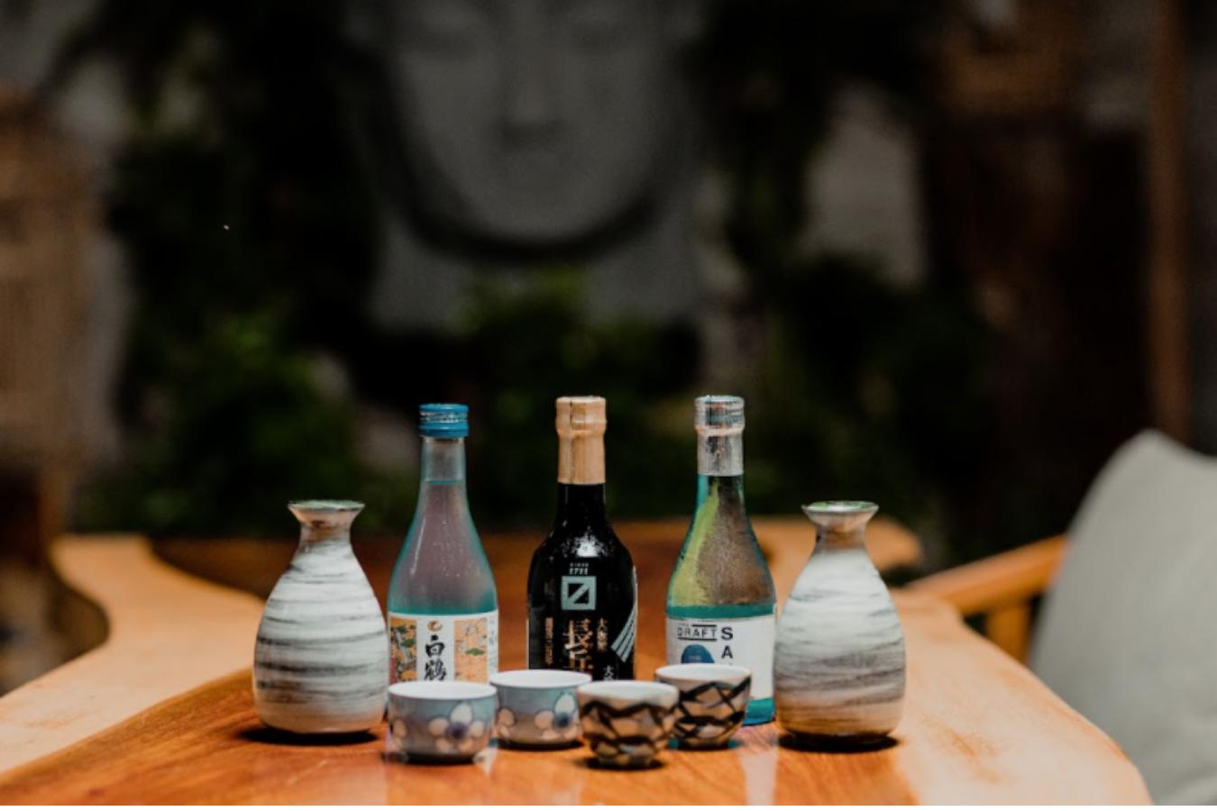 restaurante comida japonesa, sake
