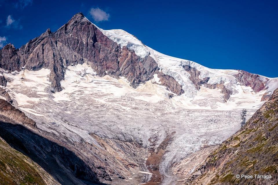 La imagen puede contener: cielo, montaña, exterior y naturaleza