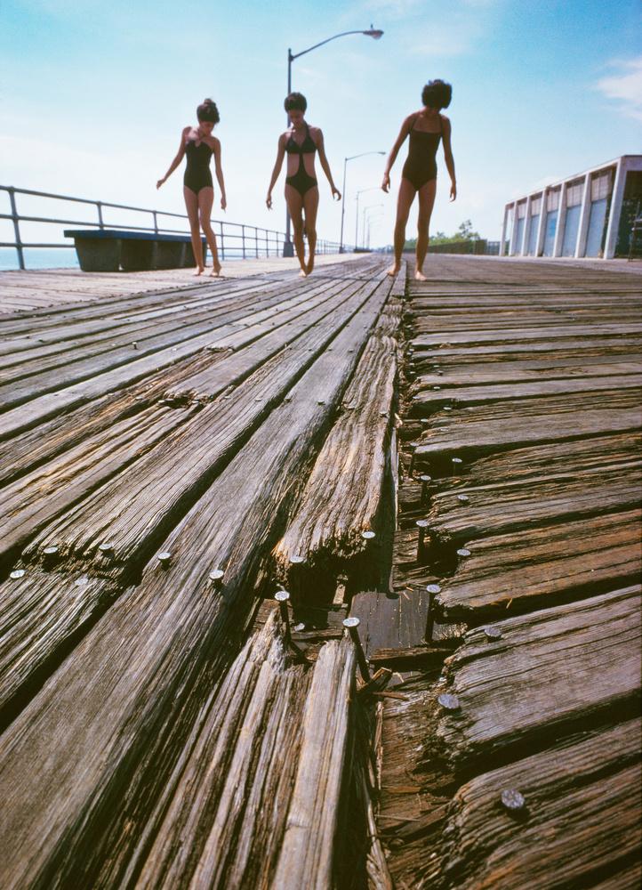 Neal Boenzi beach girls