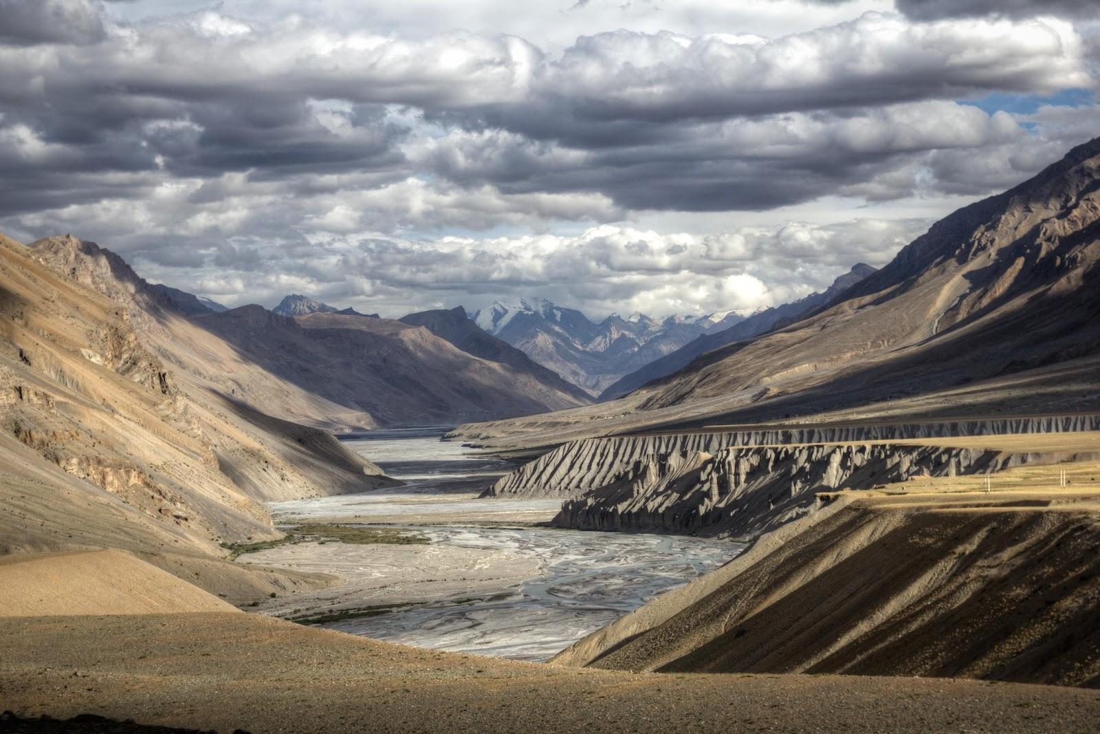 Camino_a_Spiti_valley,_Himachal_Pradesh_(8512880323).jpg