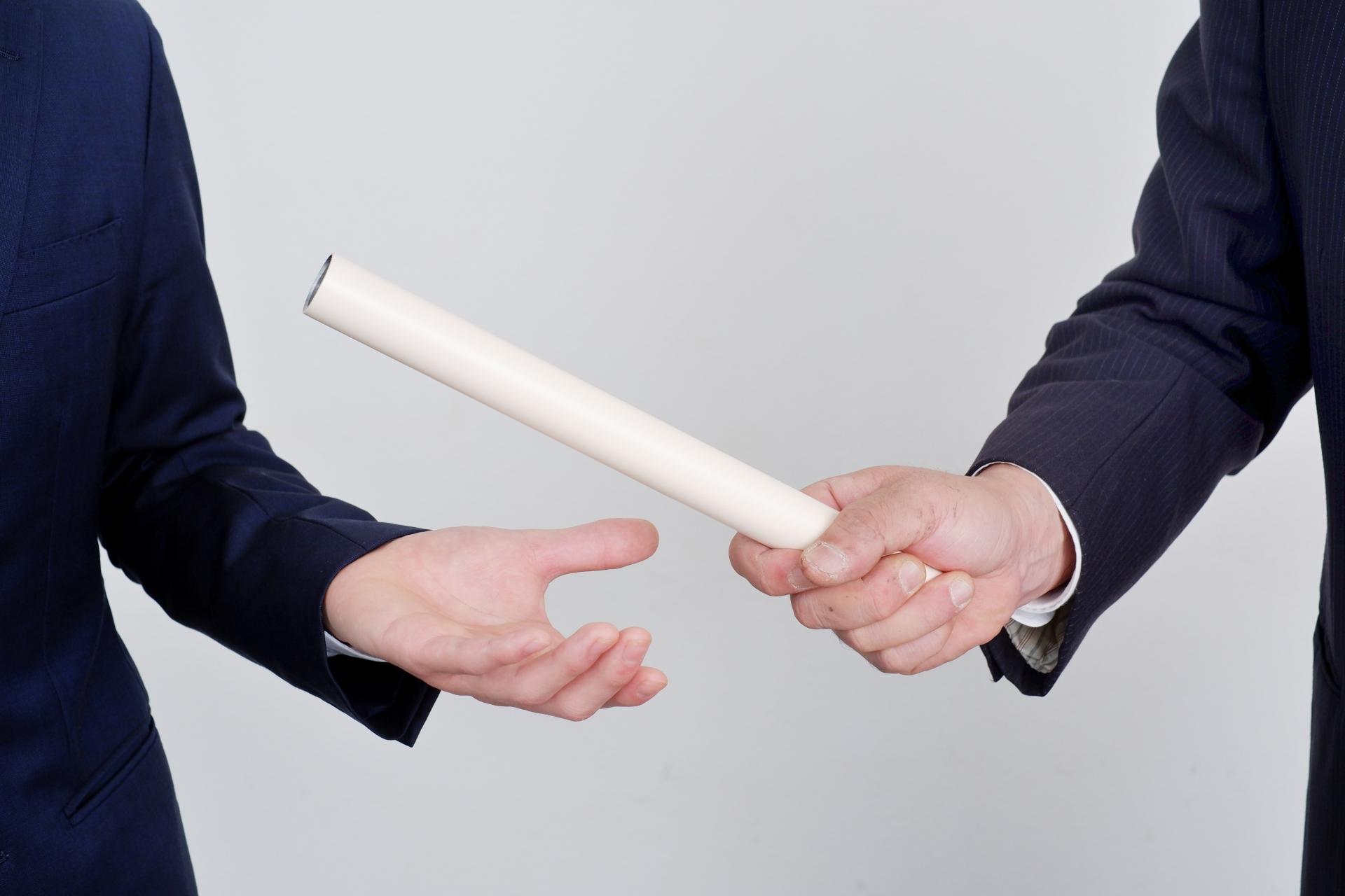 会社を後継者に継がせる「事業承継」とは?