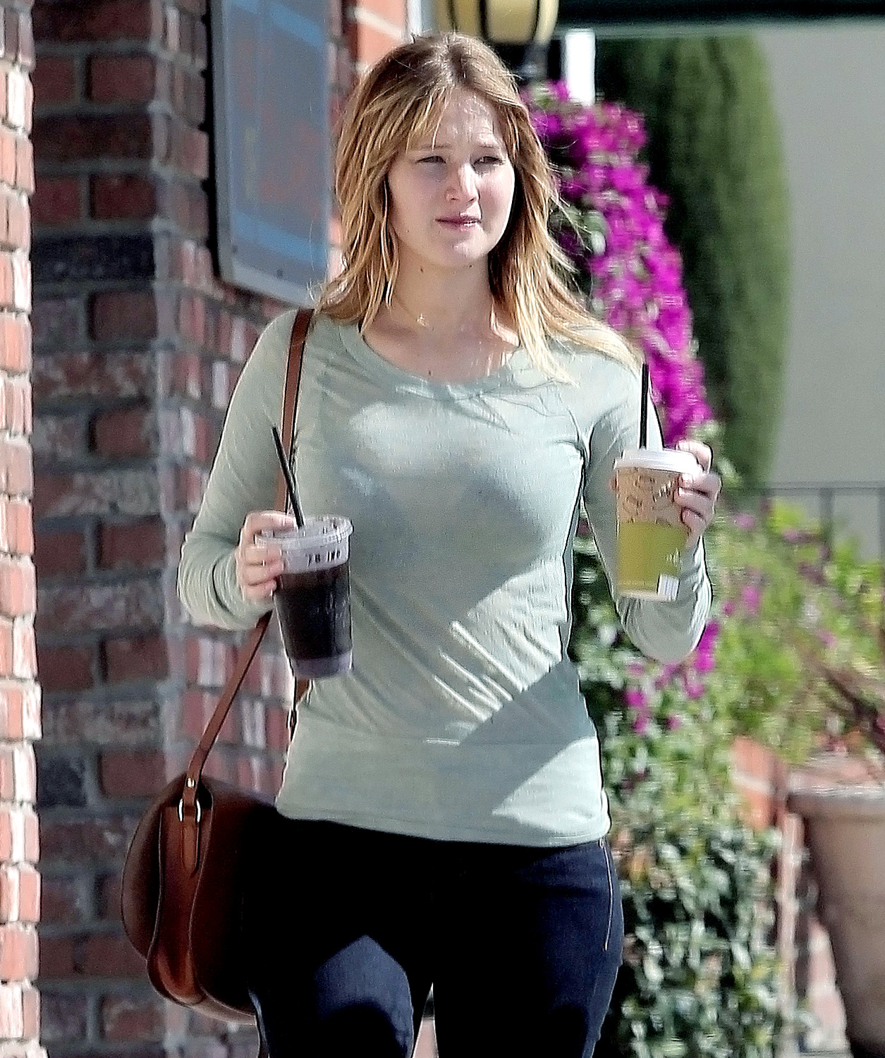 The nutrition in these morning drinks gives anyone more energy to work. - Jennifer Lawrence No Makeup - All Ravishing Pics