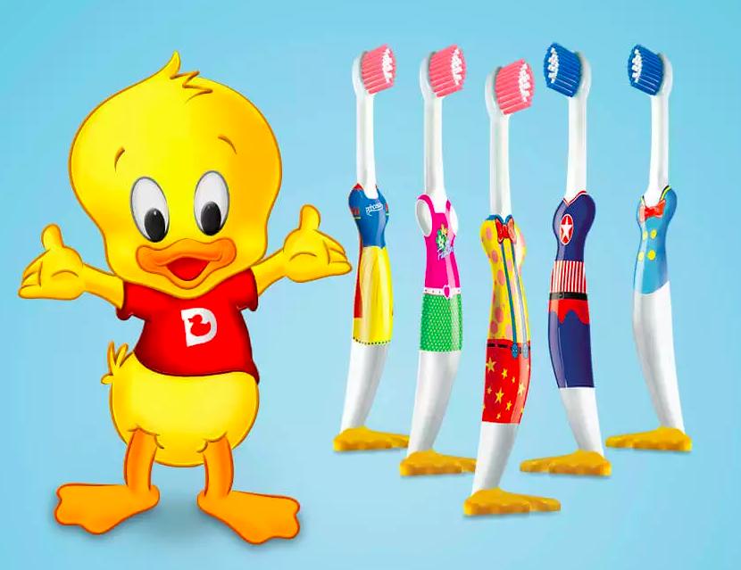 Escova de dente infantil doctor duck