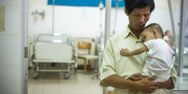 Người đàn ông trao nhân phẩm cho 11.000 thai nhi bị phá thai