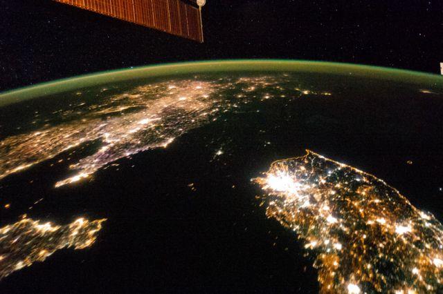 Вид на Корейский полуостров с Международной космической станции в 2014 году.
