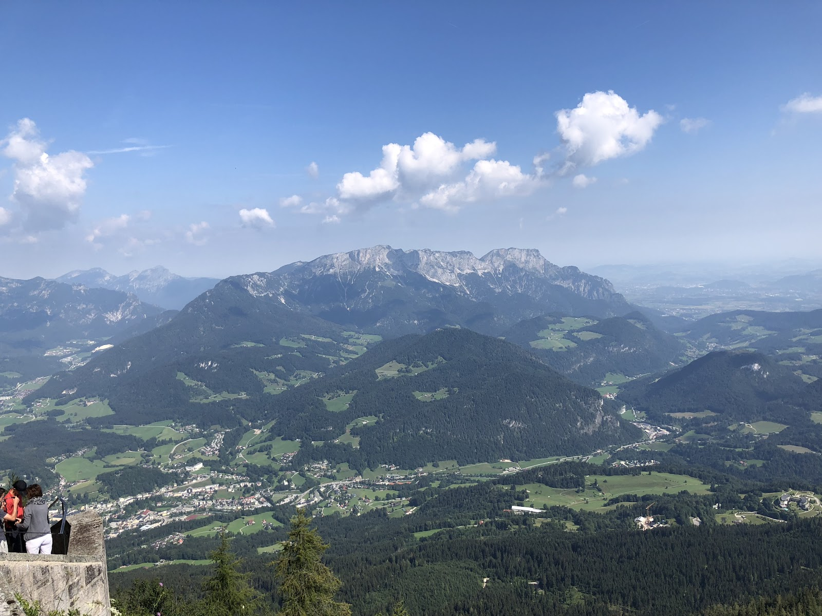 Bicycling to Eagles Nest - view of valley and mountains from top