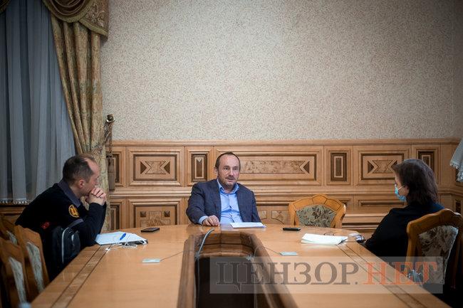 Глава Гостаможслужбы Павел Рябикин: Под санкции СНБО попала видимая часть айсберга контрабанды 08