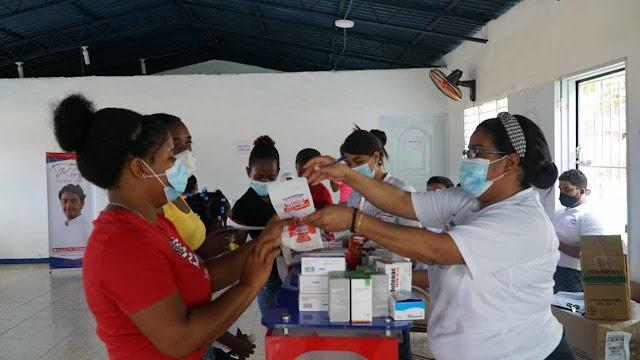 Fundación Raymond Rodríguez lleva jornada de salud gratuita a San Antonio de Guerra