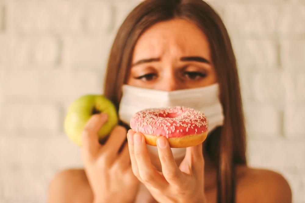 Déficit depende do consumo de açúcar durante a pandemia. (Fonte: Shutterstock/Anna Tryhub/Reprodução)