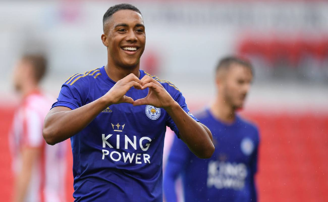 Alt: Youri Tielemans of Leicester City celebrates scoring a goal - Photo by Michael Regan/Getty Images