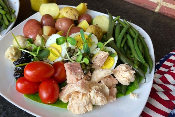plated salad nicoise
