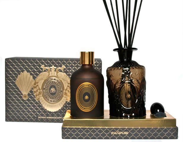 3. Punpuri Femme Fatale Perfume Candle 02
