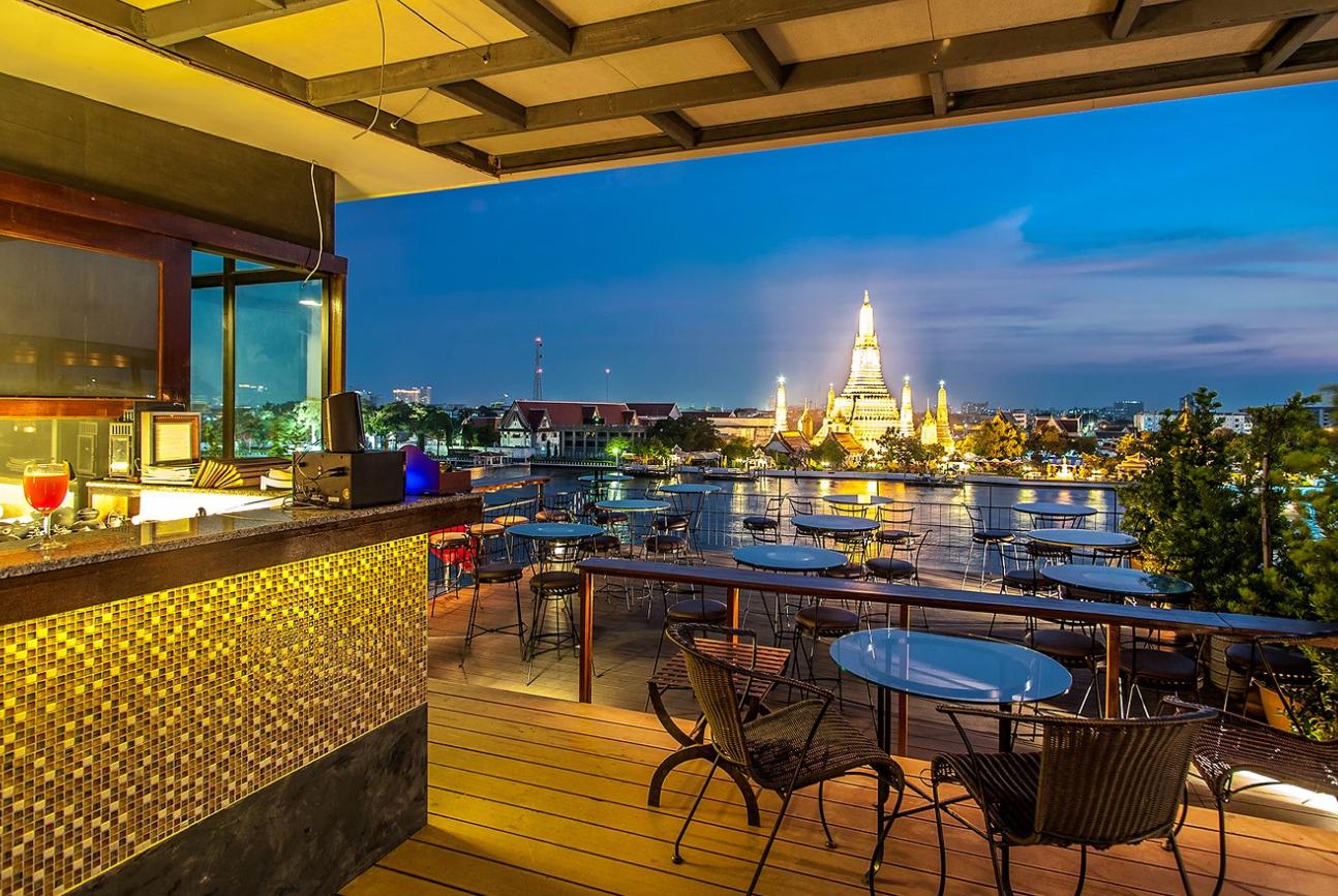 Eagles Nest Rooftop Bar - Bangkok Tourism hub