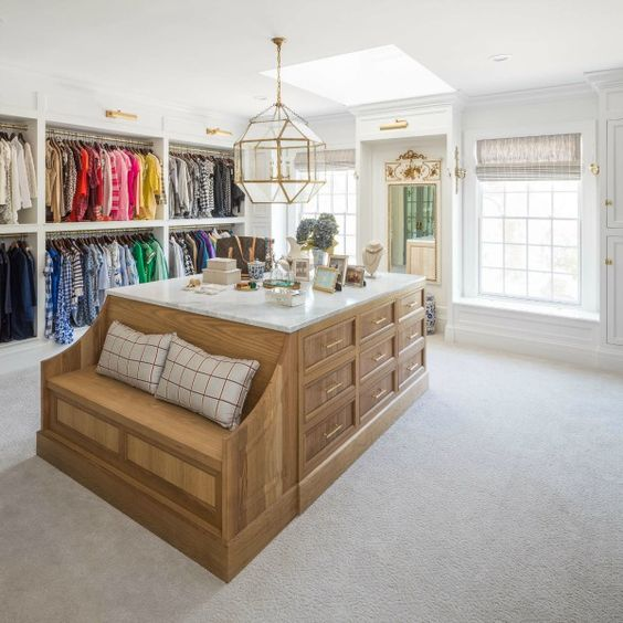 Walk-in Closet Accessories Decorated on A Chair Built-In Island