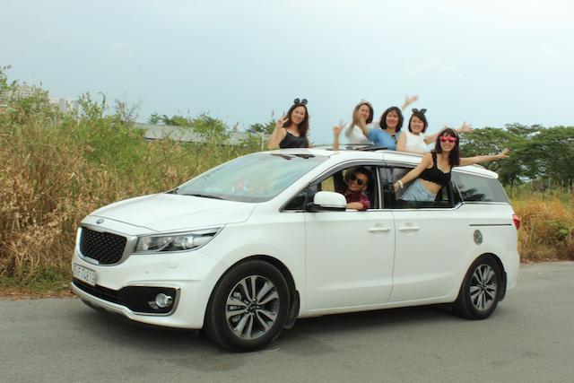 Hãy đến với ezbook.vn để đặt dịch vụ thuê xe nhanh chóng và tiện lợi nhất