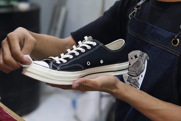 8 Recommended Shoes Laundry in Jakarta | Flokq Coliving Jakarta Blog