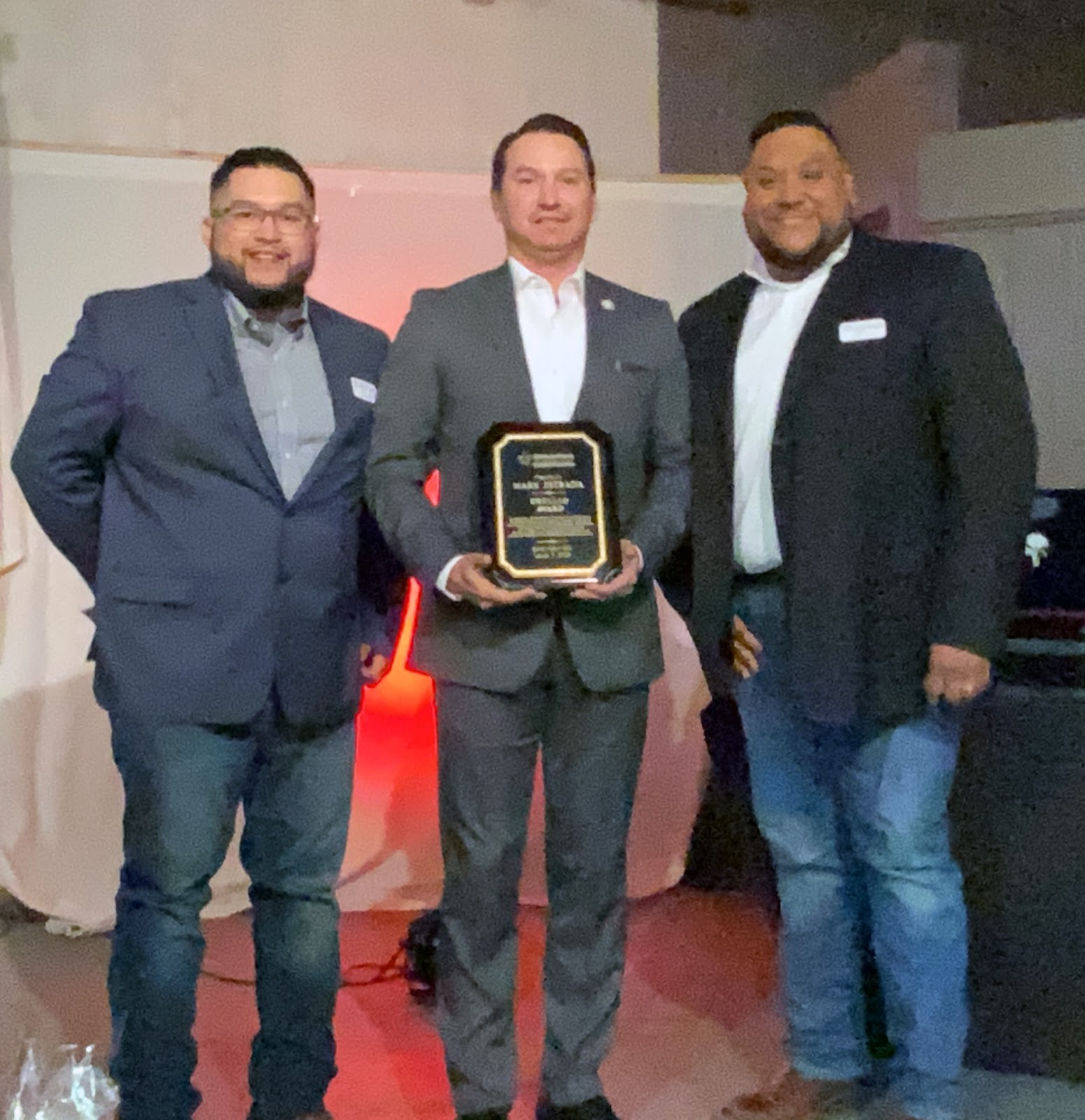 Estrada receives Orgullo Award
