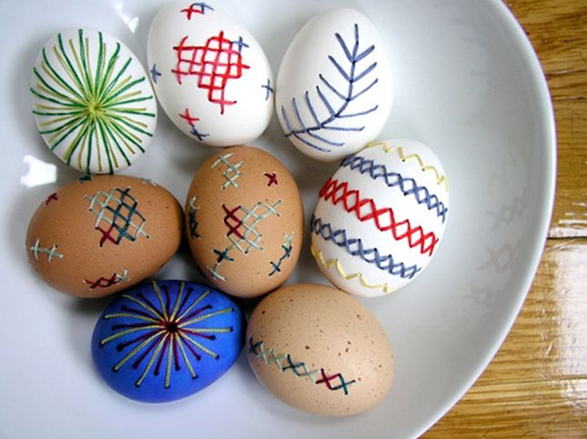 embroidered-easter-eggs.jpg