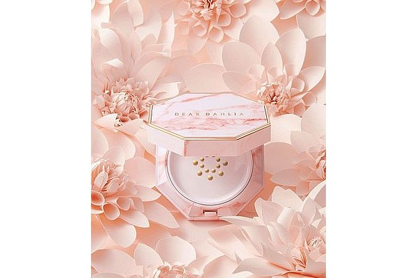DearDahlia Blooming Edition Paradise Pure Moisture Cushion from W Concept