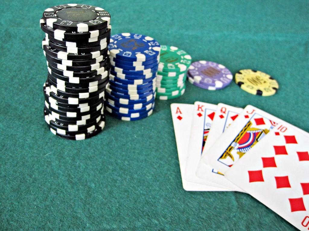 Nên mua chip poker ở đâu?