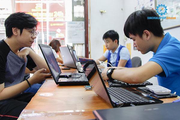 thay-man-hinh-laptop-dell-gia-bao-nhieu-3