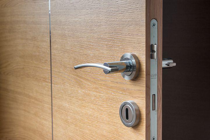 https://pixabay.com/en/door-open-wooden-the-next-doorway-1089638/