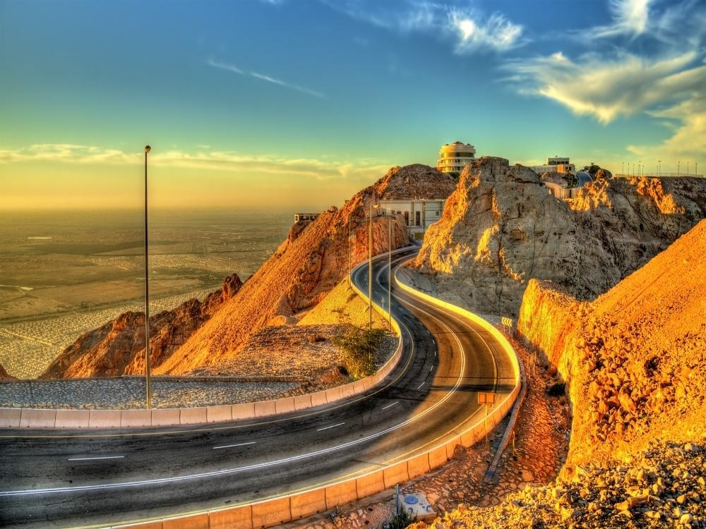 Holidayme_UAE_Roadtrips_jebel_hafeet_shutterstock_366739415