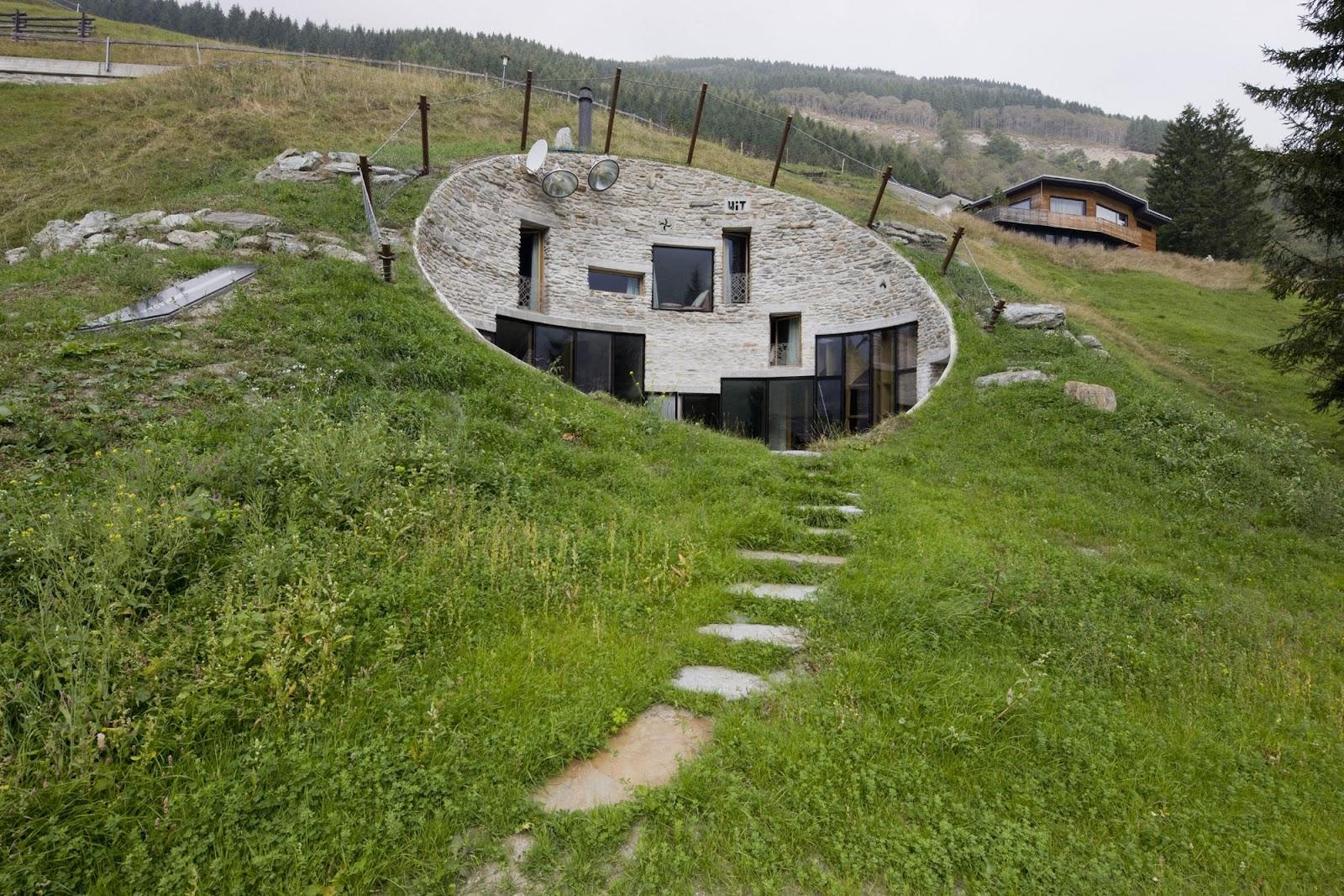 Casa-cueva-soterrada-materiales-sostenibles