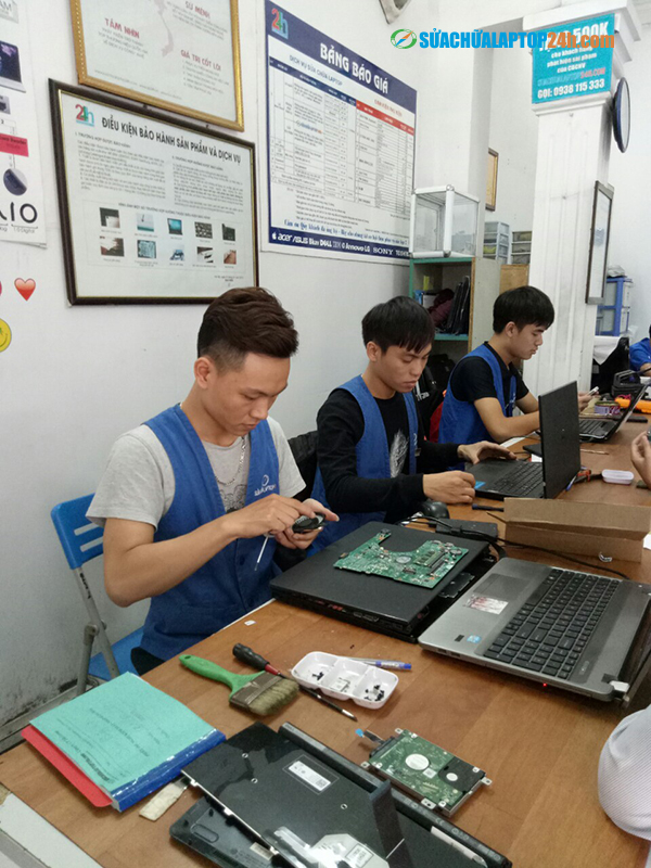 Motherboard-Repair-Replacement-1