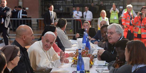 Vị giáo hoàng nghèo … vị giáo hoàng của người nghèo