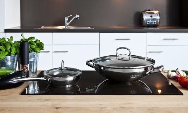 Conheça as melhores opções de cooktop de 2 bocas para você! (Imagem: Reprodução/Shutterstock)