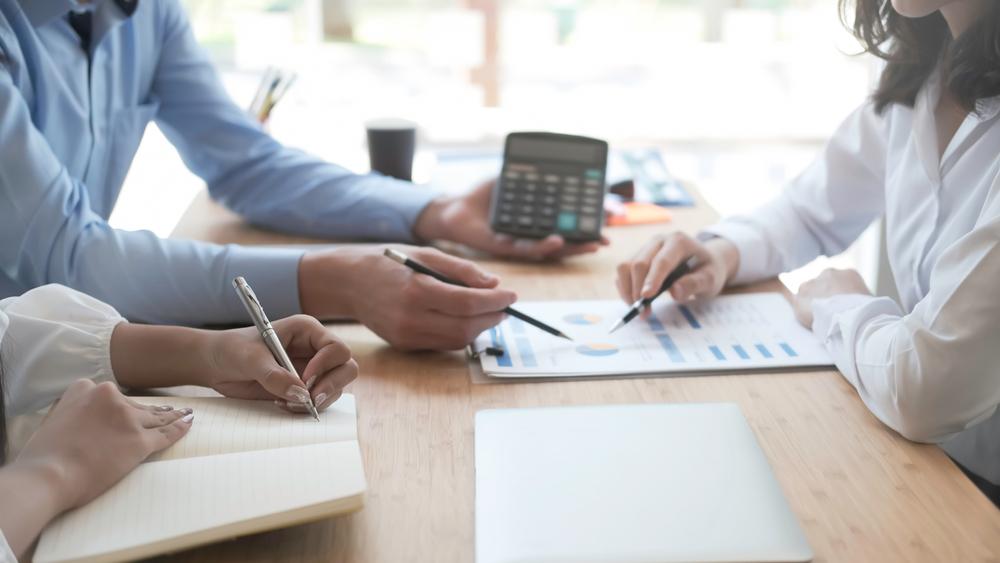 O profissional da área tributária precisa ter conhecimento em diferentes campos. (Fonte: Shutterstock)