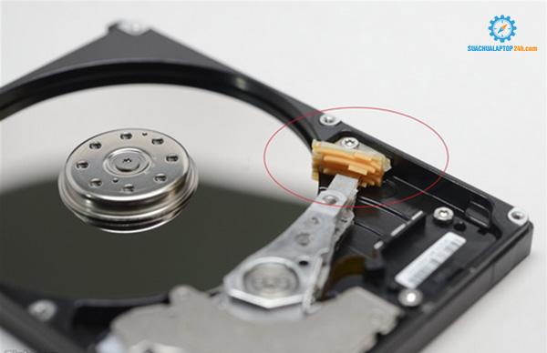 cứu dữ liệu ổ cứng chết cơ