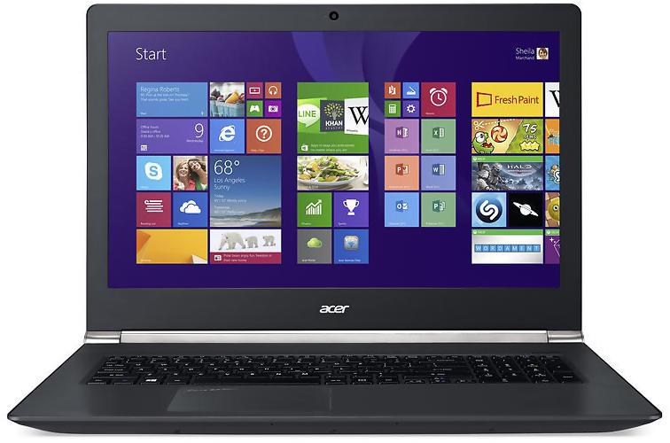 Kích thước rộng lớn của chiếc Acer Aspire V17 Nitro Black Edition
